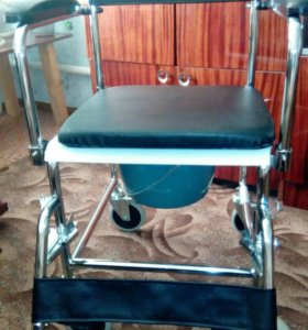 Коляска - санитарный стул.