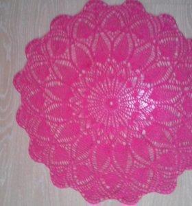 Салфетка большая круглая ярко-розового цвета