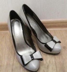 Туфли новые ! З7р.