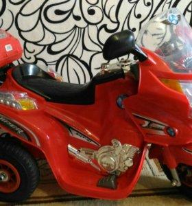 Детский трехколесный мотоцикл