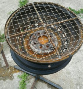Мангал-барбекюшница