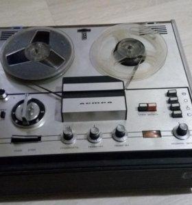 Катушечный магнитофон ''Астра-207''