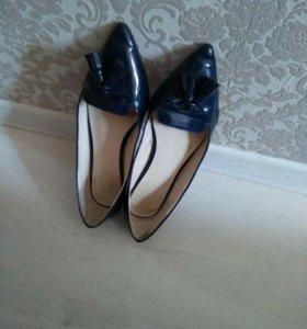Женские туфли фирмы ZARA