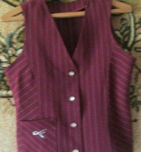 Школьный кастюм юбка и желедка