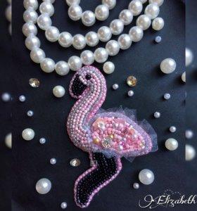 """Брошь из бисера """"Розовый фламинго """""""