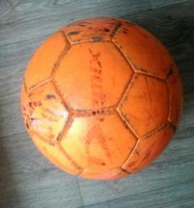 Футбольный полупрофессиональный  мяч
