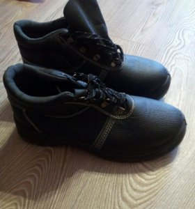 Ботинки(новые)43р-р