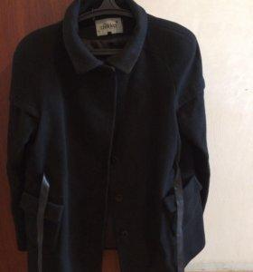 Пальто чёрное для беременных состояние отличное
