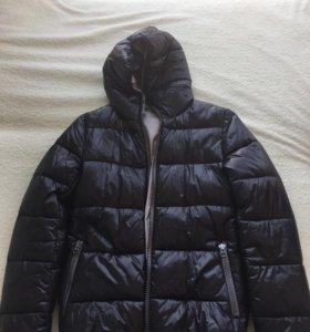 "Куртка ""Бенетон"", размер S. Новая"