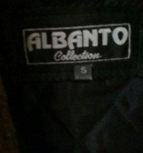 Куртка демисезоная утепленная.