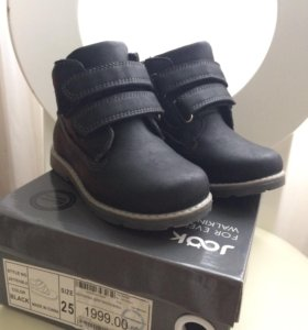 Новые демисезонные ботинки