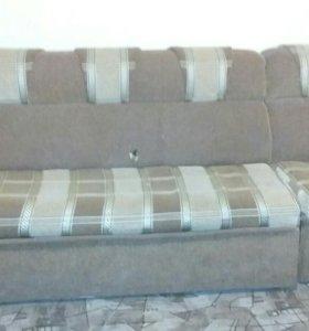 Продаю диван срочно