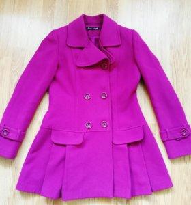Пальто в отличном состоянии, размер 46