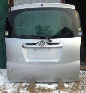 Дверь пятая на Toyota Ractis SCP 100