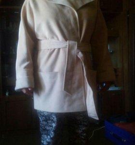 Почти новое одевала 2раза.купила зимой ф Каляева