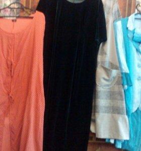 Несколько платьев,размер 60-62,по 3000 руб,