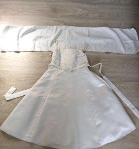 Платья с накидкой на плечики