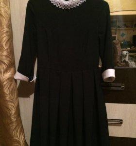 Платье школьное, темно-синее, р-р 42-44, ТОРГ
