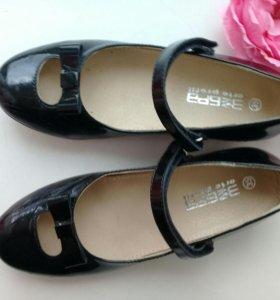 Туфли для девочки школьные б/у
