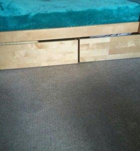 Кровать двухьярусная с матрасами