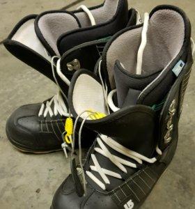 Ботинки Burton.