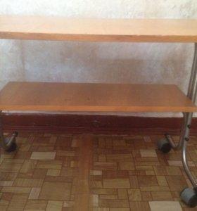 Стол на колесиках