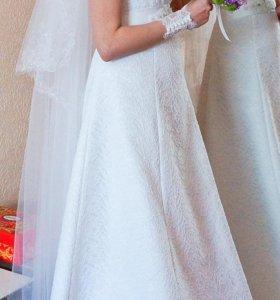 ПРОДАМ свадебное платье (кружевное) с фатой