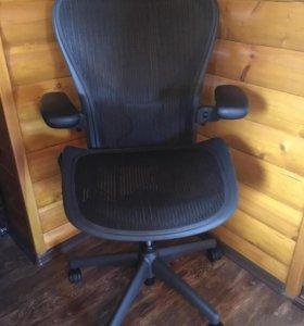 Офисное кресло Herman Miller