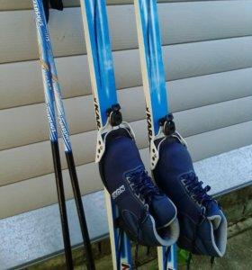 Лыжи полупластик+ ботинки+ палки.
