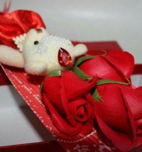 Букет из роз с Милым мишкой