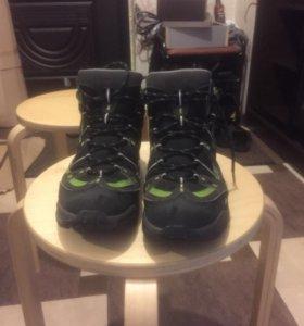 Трекинговые ботинки Quechua
