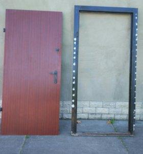 Дверь металическая, входная, б/у