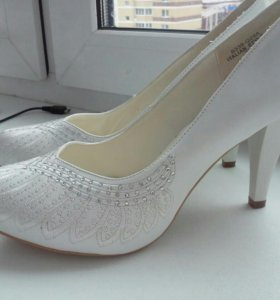 Туфли белые женские классика (свадебные) р39