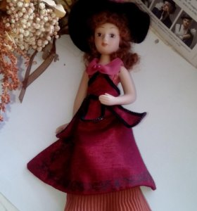 Фарфоровая куколка!