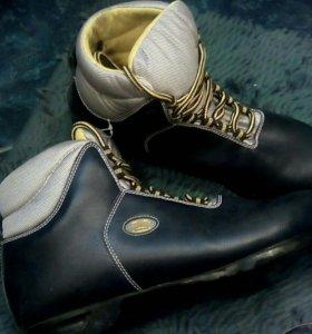 Ботинки лыжные impal
