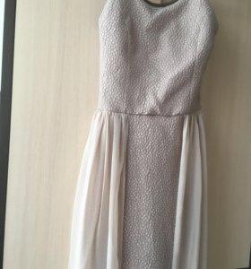 Бежевое платье размер XS/S