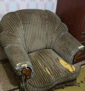 Отдадим даром стенку и кресло