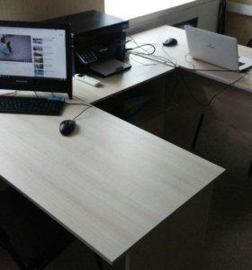 Офисная мебель: офисный стол; офисный шкаф.
