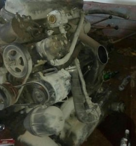 Двигатель с кпп Маз.