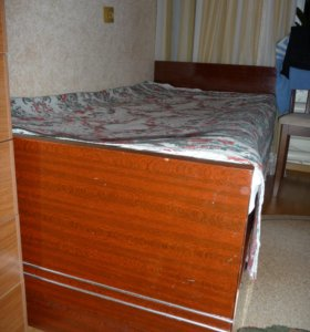 кровать 1,5 спальная с двумя матрасыми