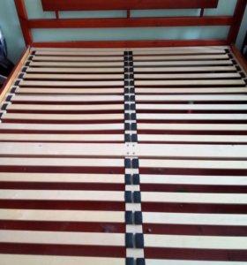 Кровать массив.