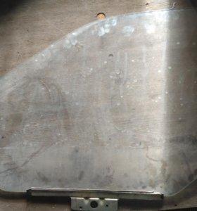 Стекло водительской двери ВАЗ 2110-2112
