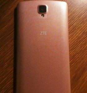 Телефон ZTE Blade L5 plus
