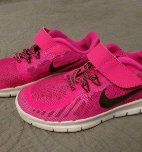 Кроссовки Nike р32