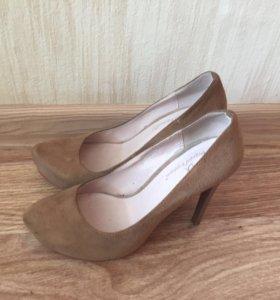Продам туфли замшевые