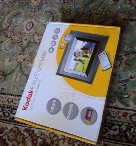 Цифровая фоторамка Kodak EasyShare EX811