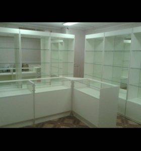 Витрина и шкаф