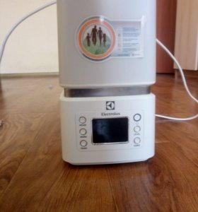 Новый увлажнитель воздуха Electrolux EHU-3510D