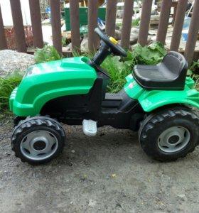 Трактор педальный с прицепом