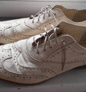 Туфли белые мужские(кожа)44р